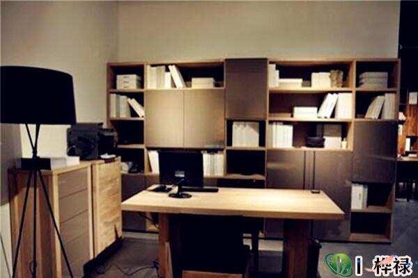 书房书桌摆放位置讲究