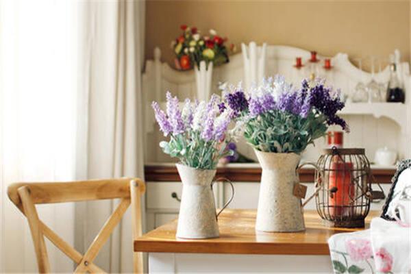 家里放什么样花瓶风水好