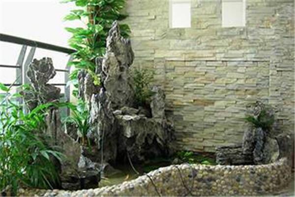别墅庭院水池方位风水  第2张
