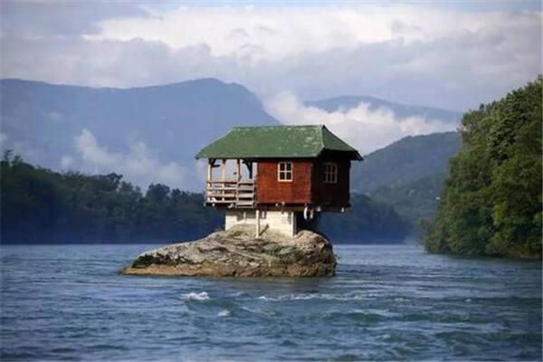 房子哪边有河风水好