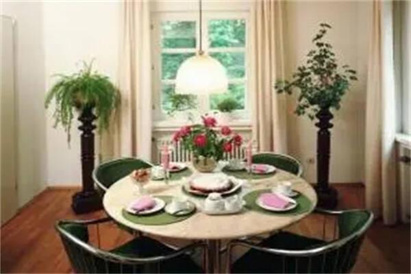 餐桌颜色选择风水禁忌