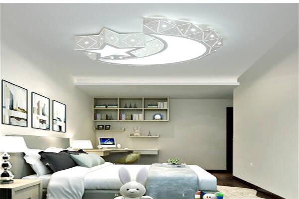 卧室安装圆灯还是方灯好