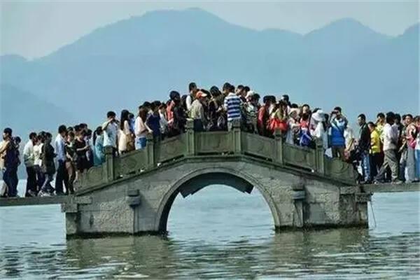 十一国庆节出行旅游要注意哪些风水 第3张